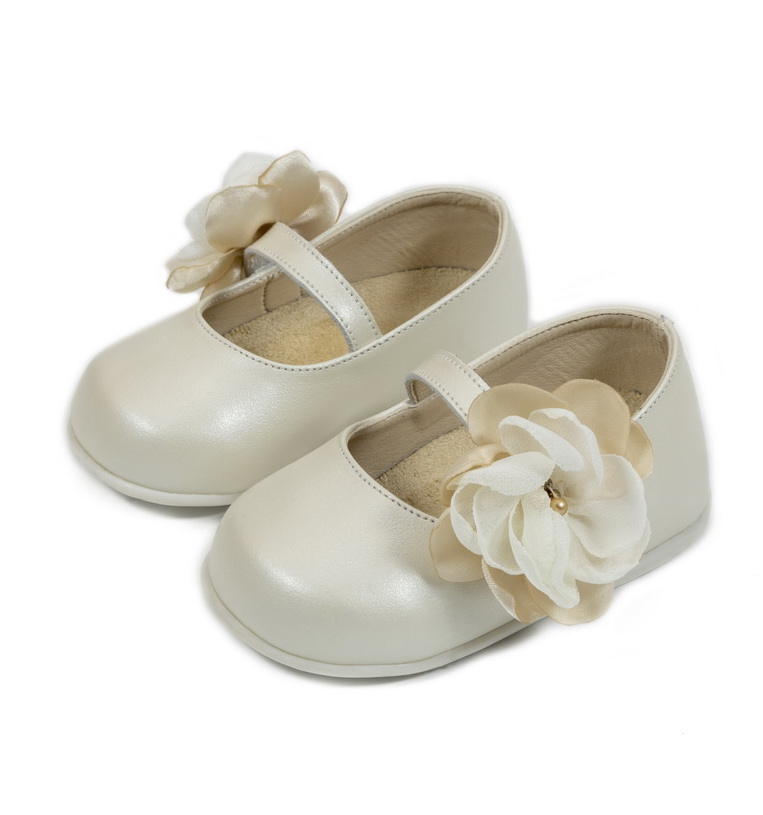x2586-IVORY-BABYWALKER-SHOES.jpg.pagespeed.ic.EPq4Unm1KY